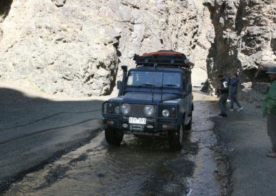 1-Defender-at-Dugany-Am-Gorge-Mongolia